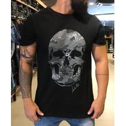 Camiseta Caveira Estampada Emborrachada Camuflada