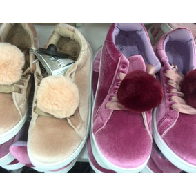 Zapatos Gamuzados Con Pompones