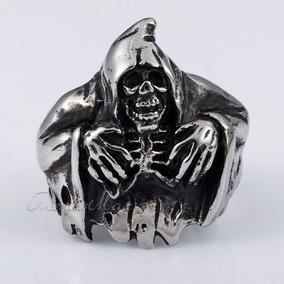 Anel Caveira Com Manto Em Aço Inox - Importado - Tamanho 22