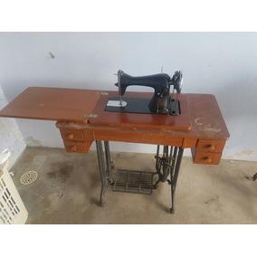 Máquina De Costura Antiga Alpha