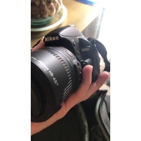 Camera Digital D3100