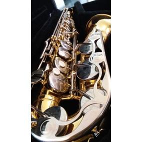 Saxofón Yamaha Alto Yas 26
