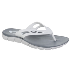 Chinelo Oakley Operative 1.0 Branco - Sapatos no Mercado Livre Brasil d15d827626e