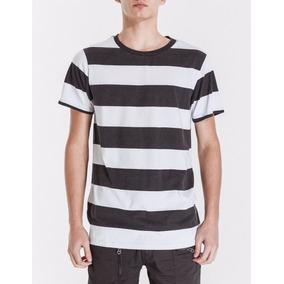 Remera Bowen Prison T-shirt Rayada Con Cuello Redondo