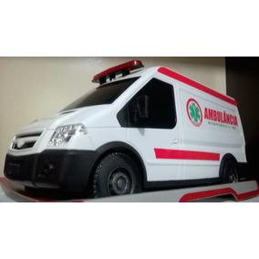 Ambulancia Furgão (plástico) Roma Brinquedos 1/14
