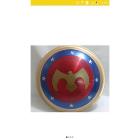 Escudo Do Capitão América E Wonder Woman