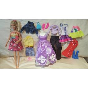 Hermosa Muñeca Barbie Semi Nueva Con Ropa Y Zapatos.