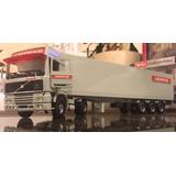 Camión Tekno. Volvo F12 Cab And Curtainsider Cavewood 1:50