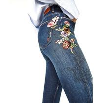 Jeans Zara Bordado Flores