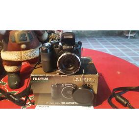 Camara Semi Profesional Fujifilm Finepix 2950