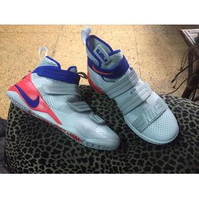 Nike Soldeir 11 Basketball Talla 8.5