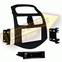 Base Frente Estereo Adap Metra 99-3309b-lc Chevrolet Spark