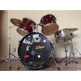 Batería New Beat ® + Accesorios Zildjian ® Y Tama ®