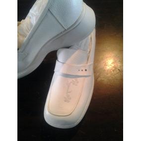 Calzado Trebol Blanco Para Enfermeria Elaborado En Piel.