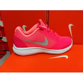 Nike Revolution Original