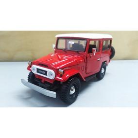 Campero Toyota Fj40 Color Rojo 18cms De Largo Escala 1/24.