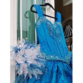 Vestido M De Xv Años En Color Azul Con Ramo Copas Y Botella
