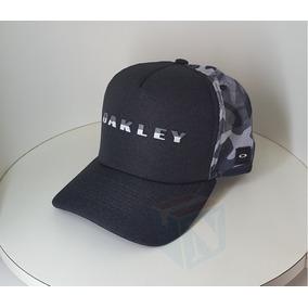 Boné Trucker Camuflado Oakley - Bonés para Masculino no Mercado ... 1512aa23e07