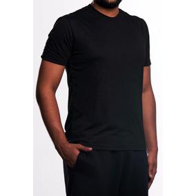 Camiseta Preta Básica Lisa - 100% Poliéster