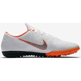 Chuteira Nike Mercurial Society Roxa - Chuteiras para Futsal no ... 411387f3d3788