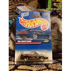 Hot-wheels 96 Mustang Convertible Tarjeta Americana