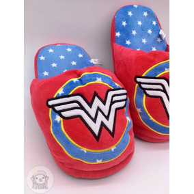 Pantufa Chinelo Adulto Mulher Maravilha Wonder Woman (29cm)