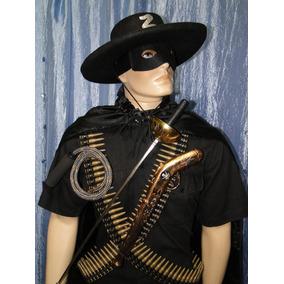 Chapeu Mascara Espada Do Zorro Sao Paulo Capital Zona Sul ... 6a35375d67a