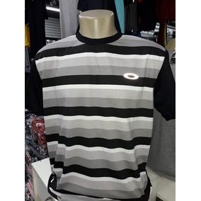 Camiseta Oakley Cor Escura - Camisetas Manga Curta no Mercado Livre ... e6ee989f14a