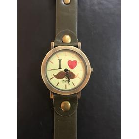 Reloj Mostacho Verde Militar Dama