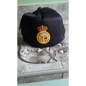 7aaf336d1fdad Gorras Akolatronic Originales 7 1 2 Rematando · Gorra Plana Del Real Madrid