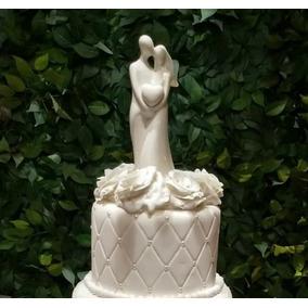 Topo De Bolo Casamento Porcelana - Casal Segurando Coração