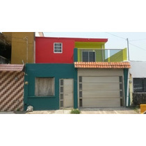 Amplia Casa En La Col. Rancho Alegre 1, Casi Esquina Con La Calle De Jacarandas, Con Todos Los Servicios Y Rápido Acceso A Zona Comercial Y Vías Rápidas.