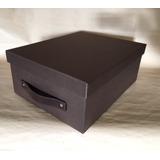 Caja De Cartón Forrada Con Manija De Cuero De 38x29x15 Cm.
