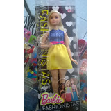 Fashion Toys Muñeca Barbie Fashionista Curvi Nueva