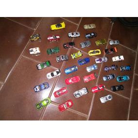 38 Carrinhos Hot Wheels