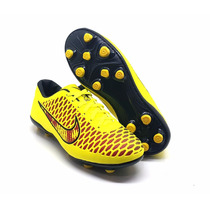 Chuteira Nike Campo Magista Profissional