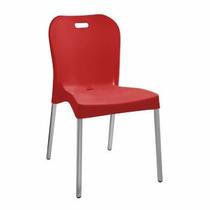 Cadeira De Plastico Com Pé De Alumínio - R$ 100,00
