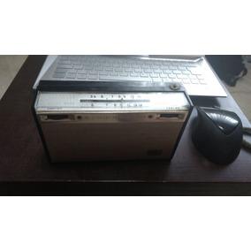 Radio Antigo Hitachi Transistor 8, 2 Faixas Década 70