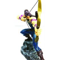 Estatueta De Resina Vingadores Hawkeye Gavião Arqueiro 30cm