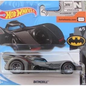 Hot Wheels Batmobile 2018 Batman 4/5 Fjx33