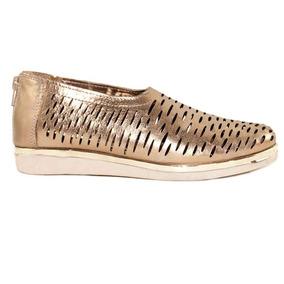 Zapatos Pancha Mujer En Cuero Dorado Perforada Con Cierre