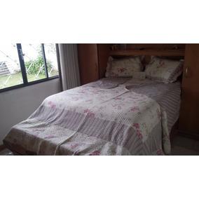 Cobre Leito Matelassê / Floral / Quing / 2 Porta Travesseiro