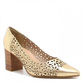5062242c22 Scarpin Bico Fino - Scarpins para Feminino Dourado escuro no Mercado ...