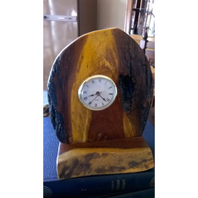 Reloj Artesanal De Mesa En Madera Rústica
