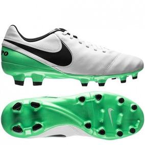 b2aec61459 Chuteiras Nike Verde Campo - Chuteiras Nike de Campo para Adultos no ...
