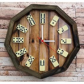 Relógio De Parede Decorativo Feito Com Peças De Dominó