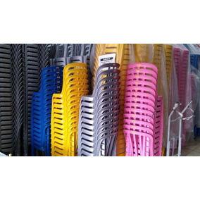 4jogos De Mesas Coloridas C/16cadeiras De Plástico Empilhá.