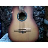 Guitarra Michoacana Dañada