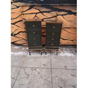 Par Mesas De Luz Altas Muy Decorativas El Par $3300