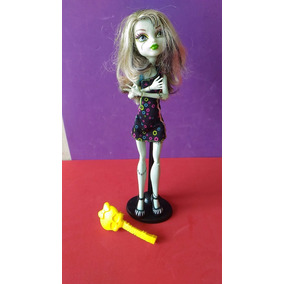 Boneca Monster High Frankie Stein + Monster High Laguna